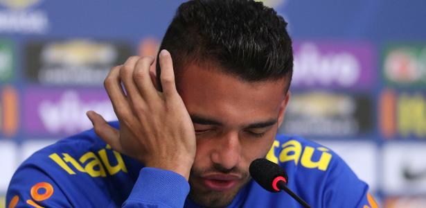 Volante cita até passagem pela seleção brasileira para justificar problemas físicos