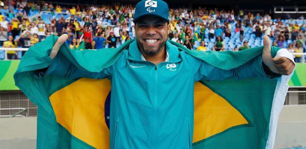 Claudiney Batista ganha medalha de ouro na Paraolimpíada do Rio