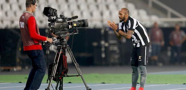 Botafogo aguarda propostas oficiais de Cruzeiro e Internacional para tomar decisão