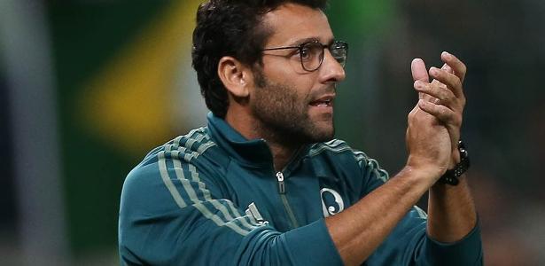 Alberto Valentim é o novo técnico do Botafogo, que demitiu Felipe Conceição recentemente