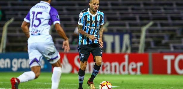 Luan foi um dos destaques do Grêmio na estreia da Libertadores