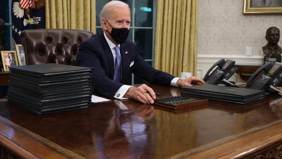 Biden toma medidas duras para conter mudanças climáticas -                                 CHIP SOMODEVILLA / GETTY IMAGES NORTH AMERICA / Getty Images via AFP
