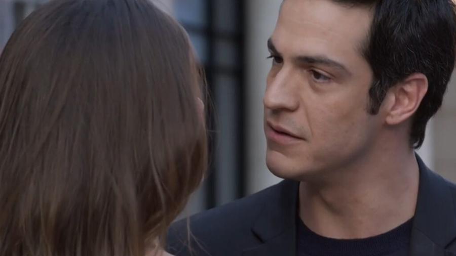 Luíza (Camila Queiroz) e Eric (Mateus Solano) em Pega Pega (Reprodução/TV Globo). - Reprodução / Internet
