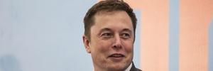 Tuíte de Musk faz governo dos EUA abrir investigação contra Tesla (Foto: Investidores estão preocupados com o comportamento de Elon Musk que fumou maconha durante uma transmissão pela internet)
