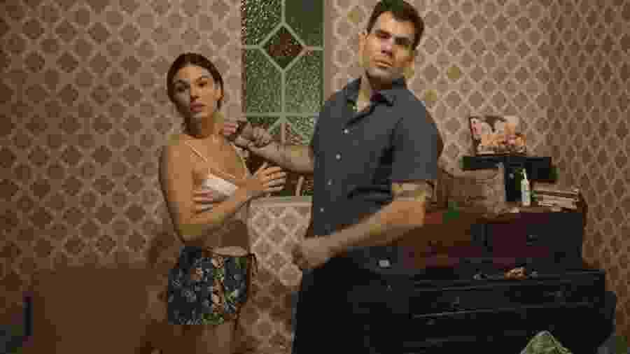 Betina (Isis Valverde) e Magno (Juliano Cazarré) em Amor de Mãe - Betina (Isis Valverde) e Magno (Juliano Cazarré) em Amor de Mãe