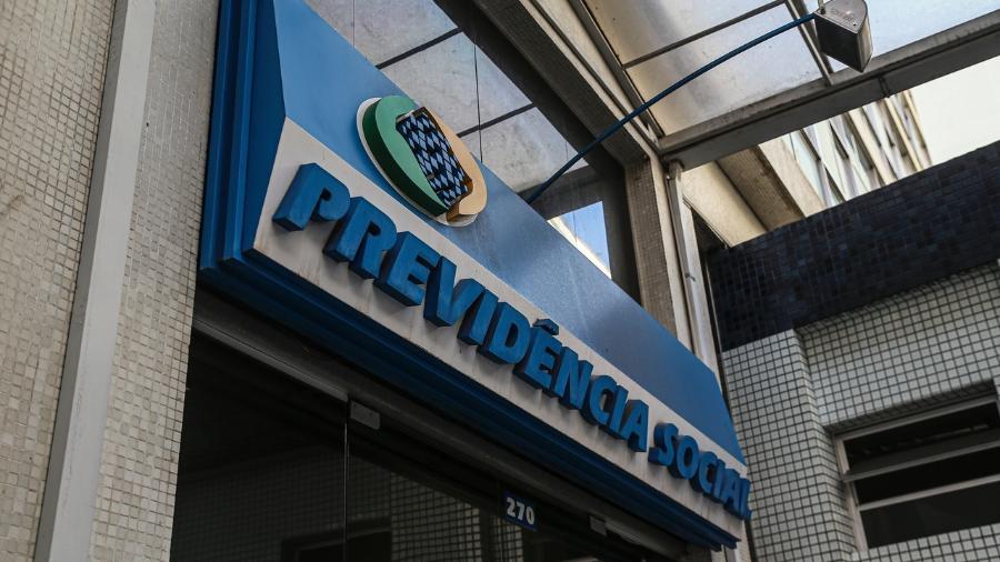Pagamento do 13º antecipado para aposentados e pensionistas varia conforme o valor e o número final do benefício -  Tribuna do Paraná