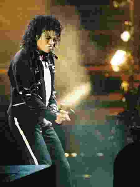 A  casa Julien's Auctions disse hoje (26) que a jaqueta, que foi assinada por Jackson nas costas com uma caneta permanente prateada - Getty Images - Getty Images