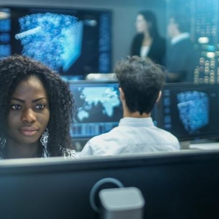 Mesmo com pacto racial, empresas têm 6% de diretores negros, aponta IIRE -