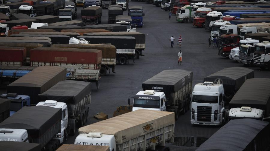 Sindicatos de petroleiros declaram apoio a movimento dos caminhoneiros - Nacho Doce/Reuters