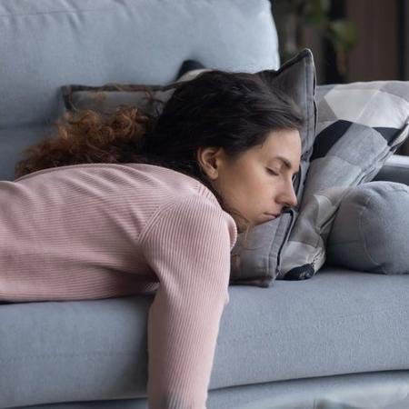 Pesquisa feita com população asiática demonstrou que tanto o excesso como a falta de sono aumentam o risco de problemas cardiovasculares e até câncer - iStock