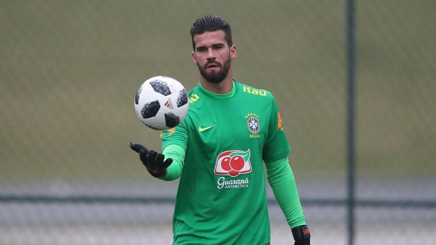 Alisson fez grande temporada pela Roma e será titular do Brasil na Copa - Lucas Figueiredo/CBF