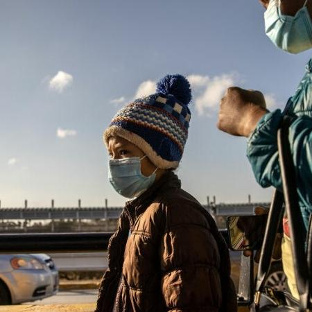 """Governador do Texas cancela uso obrigatório da máscara e vai abrir estado """"100%"""" - GettyImages"""