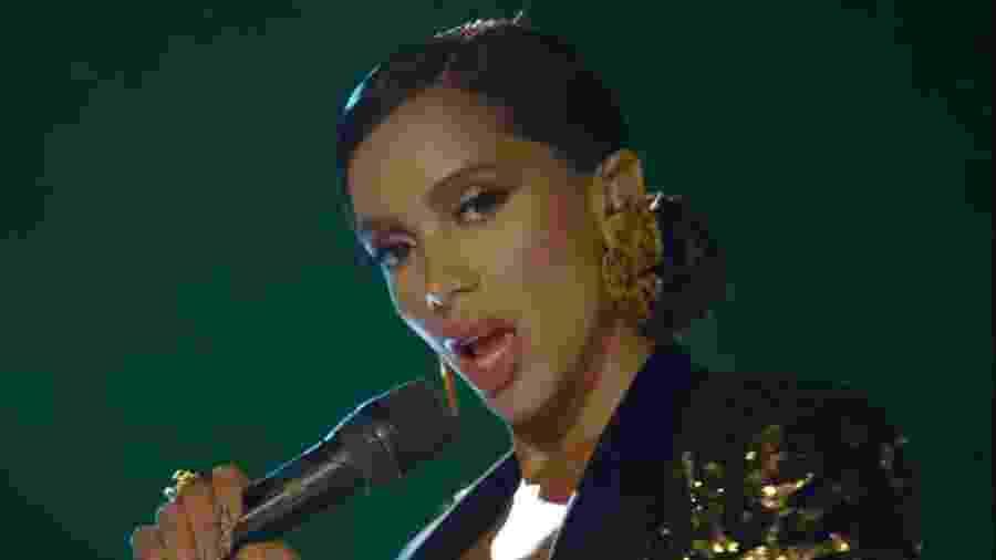 """Anitta durante uma das performances de """"Me Gusta"""" - Reprodução / Internet"""
