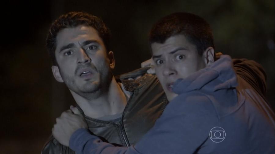 Alan (Diego Amaral) e Duca (Arthur Aguiar) em Malhação - Sonhos (Foto: Reprodução / Globo) - Reprodução / Internet