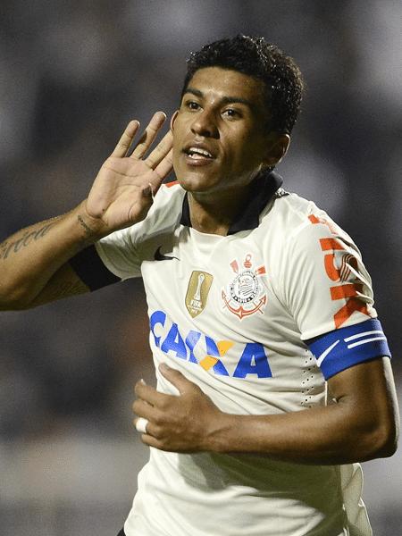 Paulinho em ação pelo Corinthians em 2013 - Mauro Horita/Agif/Folhapress