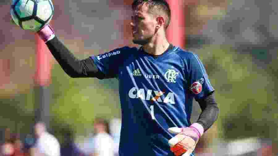 Gilvan de Souza   Flamengo. Goleiro Diego Alves havia discutido com Dorival  Júnior no Flamengo ... 546e0b53a1b84
