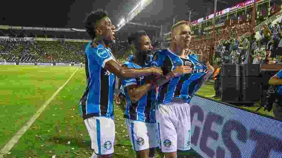 Juiz adia audiência por jogo do Grêmio no Mundial 118e448a09845