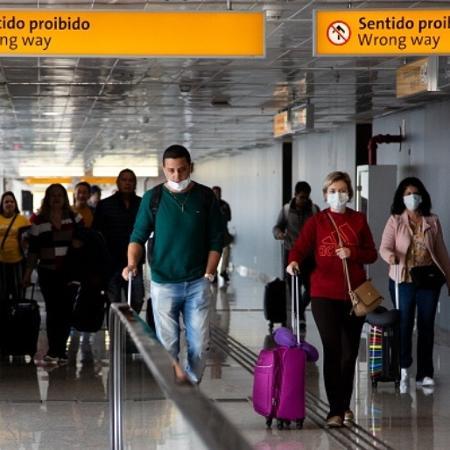 Tráfego aéreo de passageiros desacelera queda em março - Getty Images