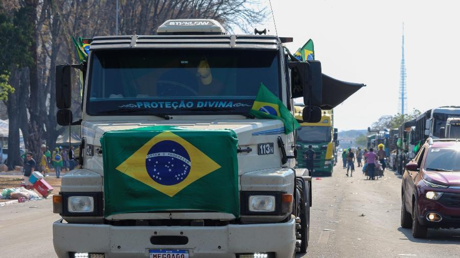 Caminhoneiros permanecem ocupando parte da Esplanada dos Ministérios mesmo após fim do ato de protesto de 7 de setembro - Luiz Souza/Fotoarena/Estadão Conteúdo
