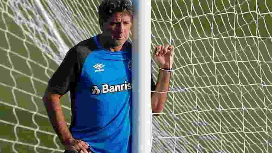 2f8c6ea865 Grêmio aumenta lista e procura dois atacantes para reforçar elenco ...