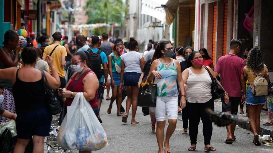 Movimento do comércio cai 2,5% em janeiro e 5,3% em 12 meses, diz empresa Boa Vista -                                 FILIPE JORDãO/JC IMAGEM