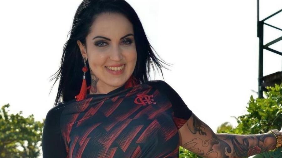 """Elisa Sanches, a 1ª mulher a apresentar o reality show digital """"A Casa das Brasileirinhas"""" - Reprodução / Internet"""