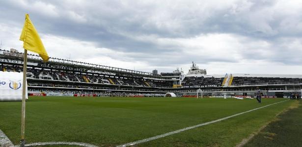 Santos treinou na Vila Belmiro, local da partida deste domingo contra o Corinthians