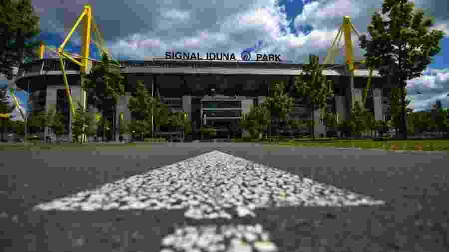 O icônico Signal Iduna Park recebe Borussia Dortmund x Schalke 04 na abertura da rodada do Campeonato Alemão após pausa pela covid-19                              -                                 INA FASSBENDER/AFP