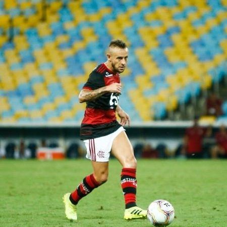 Rafinha em ação pelo Flamengo - GettyImages