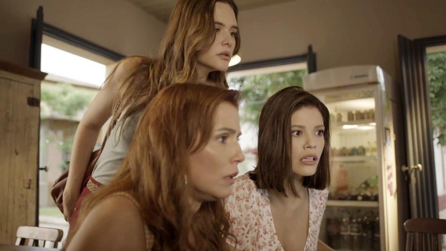 Alexia (Deborah Secco) Kyra (Vitória Strada) e Luna (Juliana Paiva) em Salve-se Quem Puder - Reprodução/TV Globo