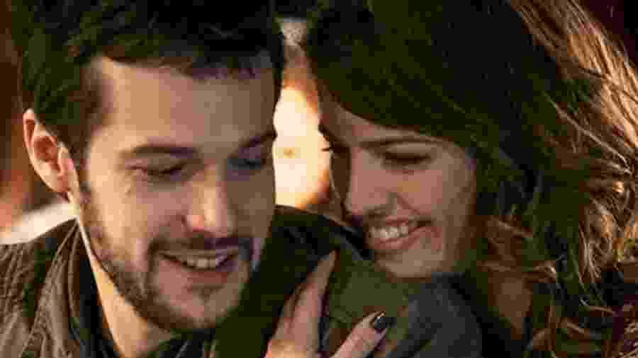 Giovanni (Jayme Matarazzo) e Camila (Agatha Moreira) de Haja Coração (Divulgação - TV Globo) - Reprodução / Internet