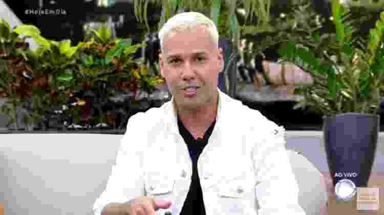 Viny Vieira durante entrevista ao Hoje em Dia (Foto :Reprodução/RecordTV)