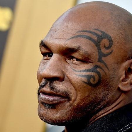 Tyson acha que Mayweather será o vencedor na luta de exibição - Getty Images