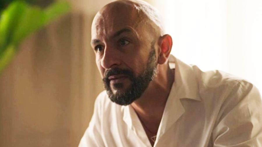 Álvaro (Irandhir Santos) em Amor de Mãe (Reprodução / Globo) - Reprodução / Internet