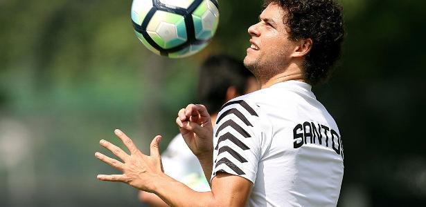 Santos faz planos para Victor Ferraz retornar contra o Nacional-URU na Libertadores