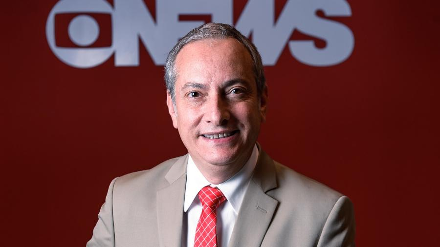 """José Roberto Burnier apresenta diariamente o telejornal matinal """"Em Ponto"""", na GloboNews - Divulgação"""