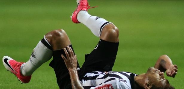 Marcos Rocha vai desfalcar o Atlético-MG por tempo indeterminado