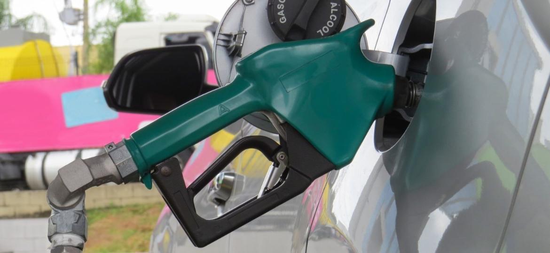 """Combustível """"batizado"""" pode causar problemas no motor e no bolso - Foto: Shutterstock"""