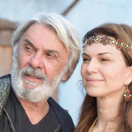 Abrão (Zé Carlos Machado) e Sarai (Adriana Garambone) em Gênesis (Divulgação/ Record TV / Blag Meneghel) - Reprodução / Internet