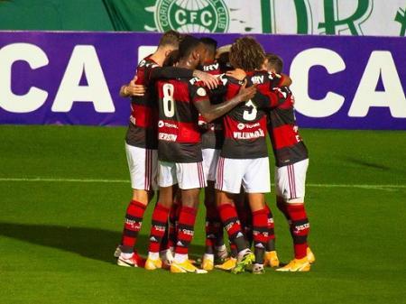 Sem Jogos Para Exibir Globo Tera Filme Se Palmeiras X Fla Nao Acontecer