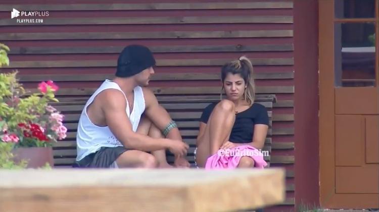 Lucas Viana e Hariany Almeida em A Fazenda 11 (Foto: Reprodução/ Record TV)