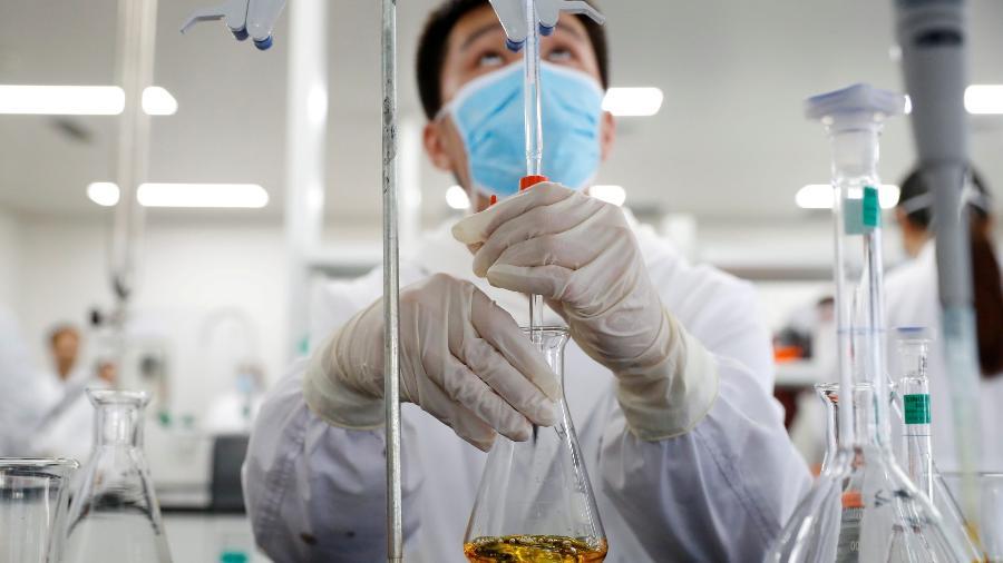 Laboratório da Sinovac em Pequim -  REUTERS/Thomas Peter