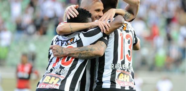 Ainda dá? Oswaldo de Oliveira não desiste e trabalha para colocar o Galo na Libertadores