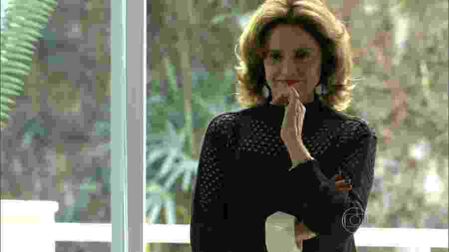 """Marieta Severo, que foi Fanny em """"Verdades Secretas"""", ainda não está garantida na parte 2 da novela  - Fanny (Marieta Severo) de Verdades Secretas (Reprodução/TV Globo)"""