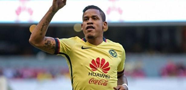 Michael Arroyo tem 30 anos e tem passagem pela seleção equatoriana