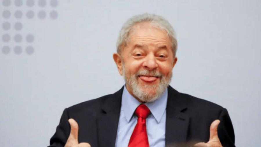 Com a devolução dos seus direitos políticos pelo STF, Lula voltou com a corda toda para viajar pelo país e devolver a esperança ao povo - Reprodução / Internet