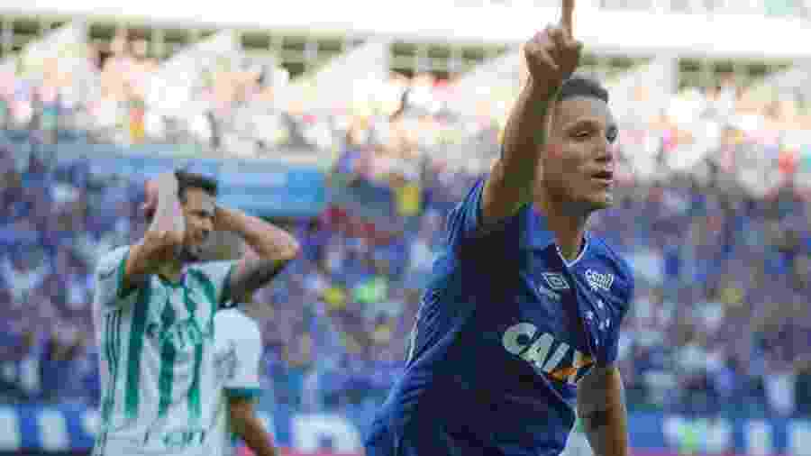e6f9b6c157 Thiago Neves atinge média e pode sonhar com meta de gols no Cruzeiro ...
