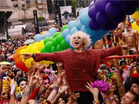 Série Sense8 na Parada LGBT de São Paulo (Reprodução/Netflix)