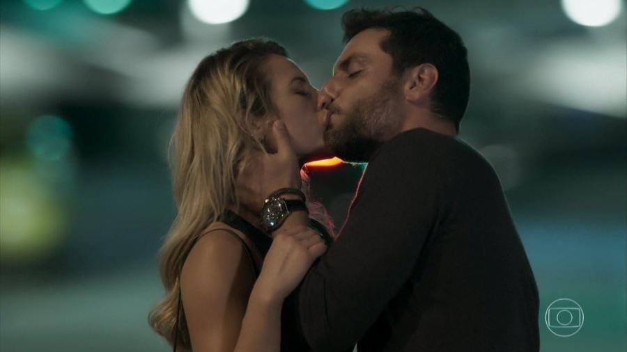 Jeiza (Paolla Oliveira) e Caio (Rodrigo Lombardi), em A Força do Querer (reprodução) - Reprodução / Internet