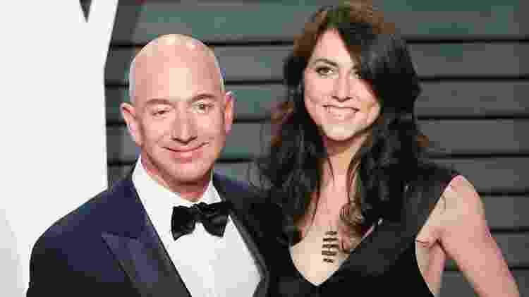 Jeff Bezos, CEO da Amazon, e sua ex-esposa MacKenzie - GettyImages